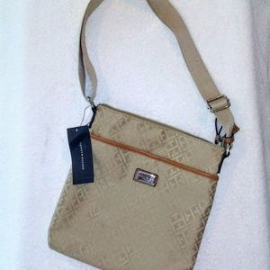 NWT Tommy Hilfiger FALL cross body bag